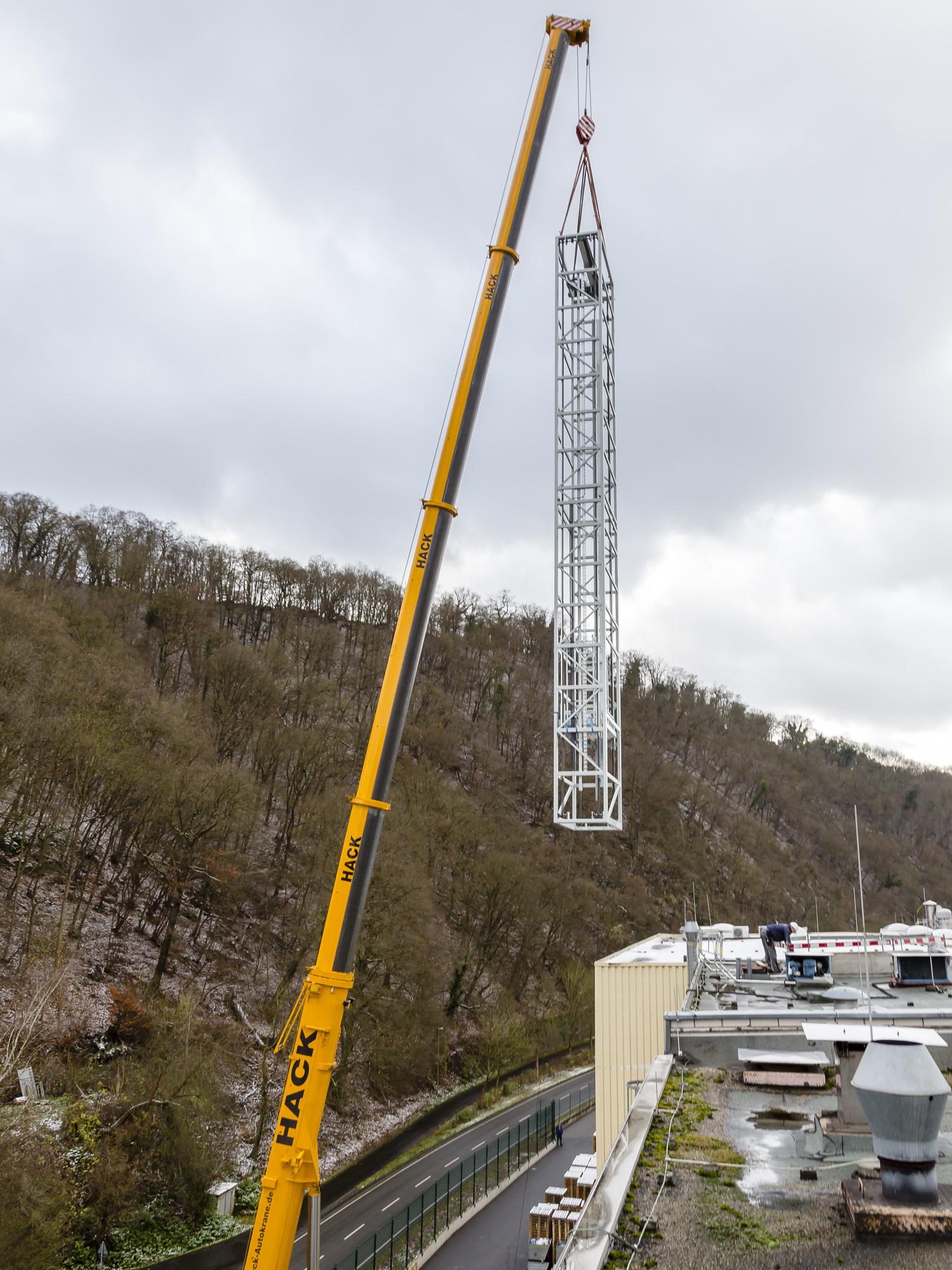 180328-Clariant-23m-Vertikalfoerderer--Verfahrwagen-Fahrstuhlschacht-15.jpg