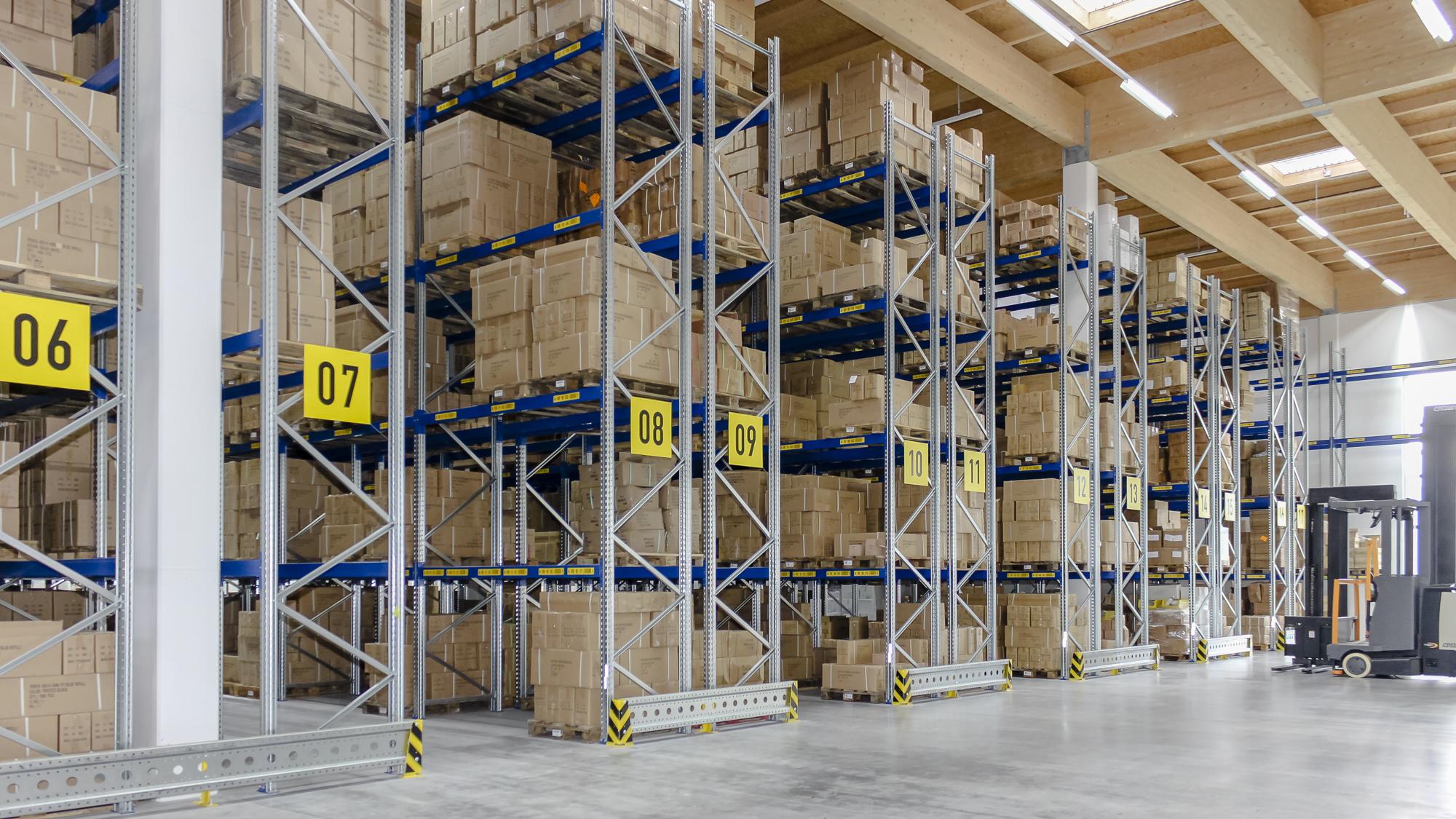 Anbindung an Hochregallager-Logistik stellt für HaRo kein Problem dar.