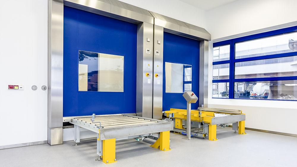 Beidseitiger Zugang für den optimalen Produktionsablauf über die Förderanlage