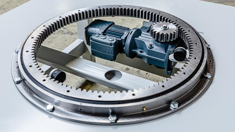 Drehstation von HaRo - Ein massiver Drehkranz ist das zentrale Funktionsbauteil für die Drehstation mit einem hochwertigen Antrieb von SEW