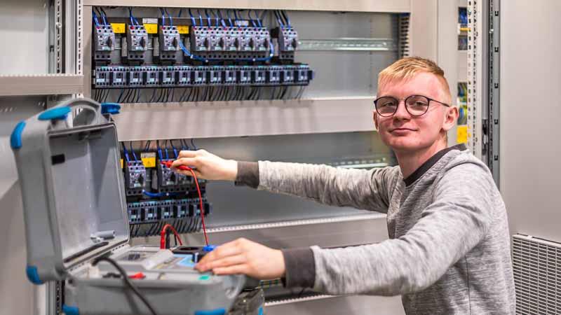 Elektrotechniker für Betriebstechnik - Ausbildungsberufe bei HaRo in Rüthen
