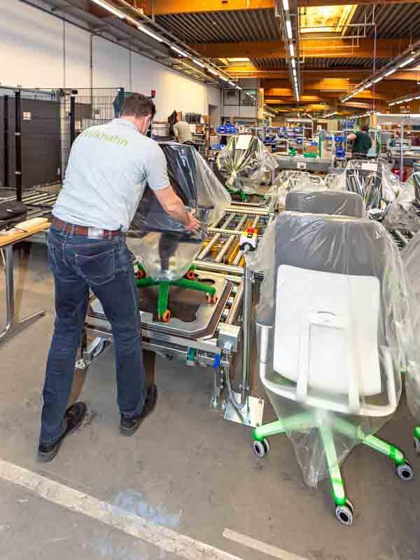 Fördertechnik mit niedriger Bauhöhe - Rollenbahnen ergonomisch optimiert.