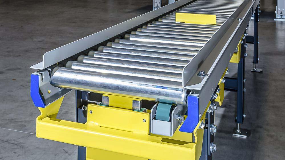 Rollenbahn mit Stopper - einfache Steuerung für den geordneten Materialfluss