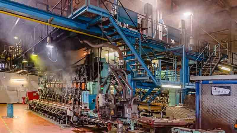 Glasproduktion über eine große Anlage