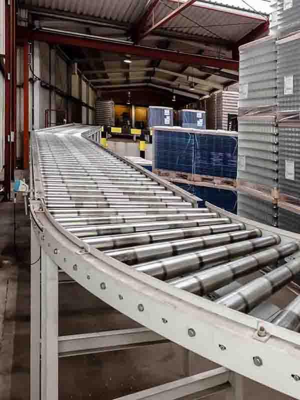 Rollenbahnkurve für platzsparenden Palettentransport