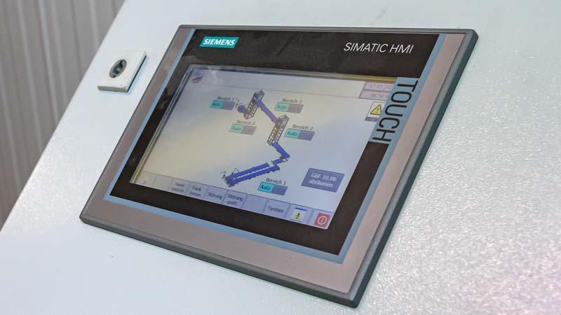 Siemens SIMATIC HMI Bedienpanel in der HaRo Förderanlage