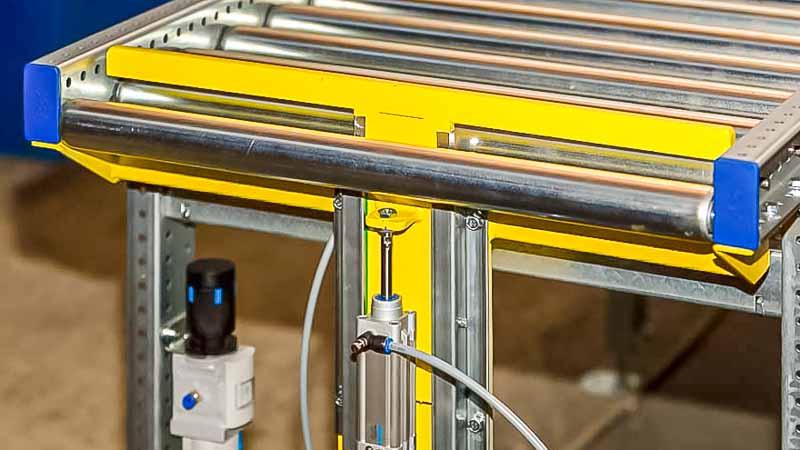 Stopper - HaRo - Das Fördertechnik Funktionsmodul bietet mittels Druckluft eine einfache und effektive Form der Materialflusskontrolle