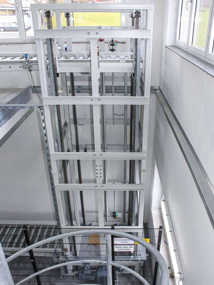 Vertikalförderer in Verbindung mit einem Tunnel - Lagerkapazitäten auf neuen Wegen zu erschließen